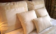 Как стирать подушки из пера в машинке и руками?