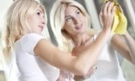 Как мыть зеркала: лучшие средства бытовой химии и народные рецепты