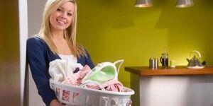 До какого возраста гладить детские вещи и как часто это делать?