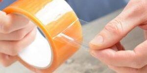 Чем оттереть скотч от пластика: быстро убираем липкие следы