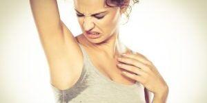 Как избавиться от запаха пота: возвращаем одежде свежесть