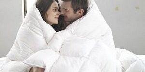 Как стирать синтепоновое одеяло: советы по машинной и ручной стирке