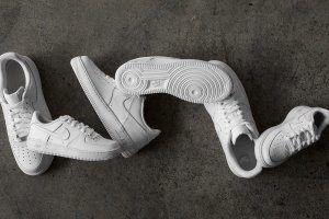 Чем почистить белые кроссовки из кожи, замши и текстиля?