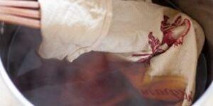 Как вывести застарелое пятно на одежде: самые мощные пятновыводители
