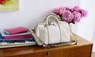 Как почистить белую кожаную сумку от пятен и потемнений