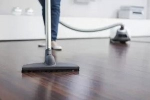 Як мити підлогу з ламінату