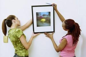 Як повісити картину будинку