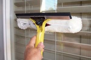 Чим відмити пластикові вікна