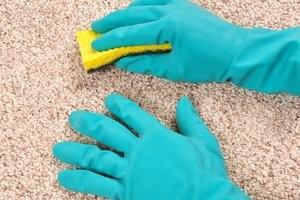 Чистка ковроліну в домашніх умовах