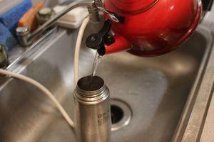 Як почистити термос від чайного нальоту
