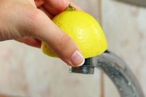Як почистити змішувач у ванній