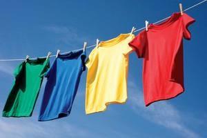 Як прати кольорові речі