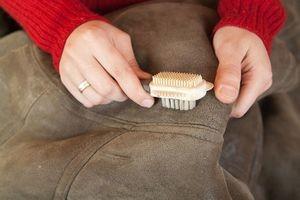 як почистити замшеве куртку будинку