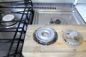 як очистити газову плиту від жиру народними засобами