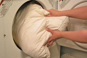 прання подушки в пральній машині