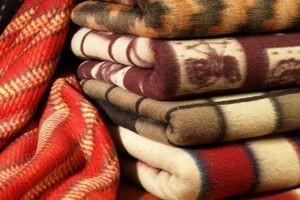 як прати вовняну ковдру