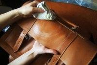 почистити сумку зі шкіри