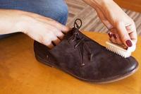 чистка замшевого взуття