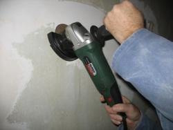 як зняти стару фарбу з бетонної стіни
