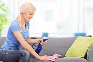 чистка дивана від воску