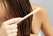 вазелінове масло з волосся
