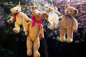 іграшки на білизняний мотузці