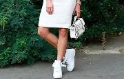 доглядати за білою шкірної взуттям